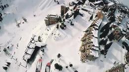 【发现最热视频】老外真会玩!滑雪与滑翔伞的完美结合...