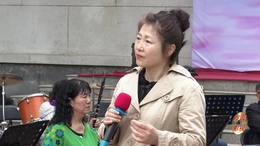 郑州第十一届海棠文化节 碧沙乐团赵慧演唱 歌曲《掌声响起》