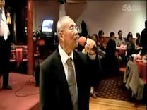 2011年4月9日南中校友会郑炳辉独唱 (桃花江)...