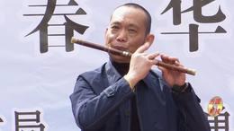 郑州第十一届海棠文化节 碧沙乐团张福庆笛子演奏 扬鞭催马送粮忙