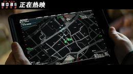 """《碟中谍6:全面瓦解》""""夺命狂奔""""正片片段阿汤哥玩跑酷"""