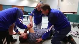 帅哥CPR心脏骤停AED