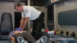 帅哥急救AED心脏按压