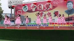 五(1)班舞蹈:《不想长大》