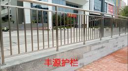 不锈钢栏杆多少钱一米