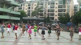 黄陂文体广场晨练舞蹈   爱在天地间