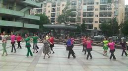 黄陂文体广场晨练舞蹈   妈妈的歌谣