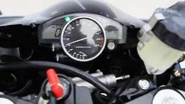 雅马哈.R1.1000CC.05年.改装脚踏.电喷.电子表.美版.顶...