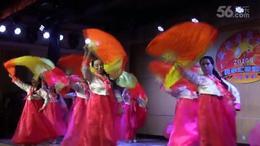长扇舞蹈:鲜花永远陪伴你