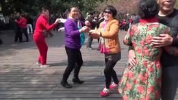 和战友游览杭州西湖
