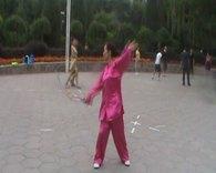 剑舞瑛姿学练向天再借五百年