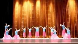 参加高坪区第三届老年人运动会广场舞比赛
