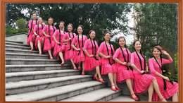 威远幸福广场舞《馨眉姑娘》220