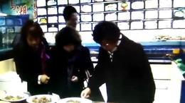 六合路小学同学分别50年首次相聚侬家厨房(控江店)(二)
