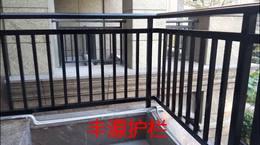 仁山智水别墅阳台铁艺护栏