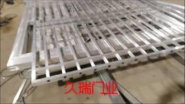 浙江台州客户电动铝艺平移门生产中