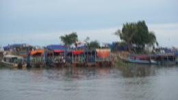 柬埔寨洞里萨湖风光