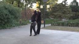 北京水兵舞教学第一套第12个花入场步