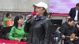 郑州第十一届海棠文化节 碧沙乐团李华演唱 歌曲《不白活一回》