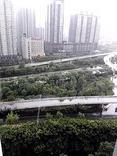 (344)西安突下大雨刮大风伴随 冰雹。