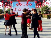 交谊舞:慢三《放下》西溪舞蹈群成员.