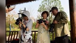 区老年摄影班的一次外拍活动剪影