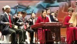 信阳市老干局民乐队2020彩排《八月桂花遍地开》指挥;王鹏