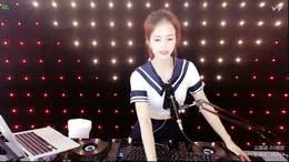 靓女DJvivi小公主 2020精选中文歌曲现场美女打碟(2)
