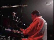 爵士低音单簧管演奏家Michel Portal和钢琴
