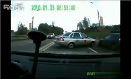 监控器中的各种车祸二_