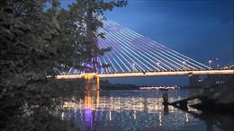 益阳西流湾大桥夜景   涨大水了