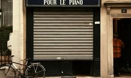 36. La Mer de Pianos