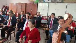 信阳市老干局民乐队彩排《红歌颂党》编导;王鹏