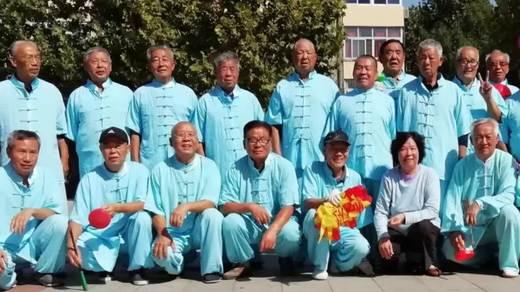 华北油田华达空竹队飘带龙孔雀开屏即兴表演
