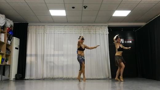 河南洛阳艾尚娜娜肚皮舞Nina(娜娜)老师会员班舞蹈《安吉丽娜》
