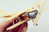达人用雪糕棍手工制作飞机