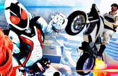 假面骑士骑摩托车飞向宇宙