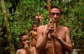 赤身裸体的神秘游猎部落