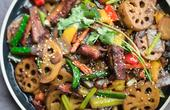 一袋火锅底料就能做的干锅排骨,麻辣鲜香超入味