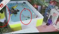最新幼女av_揪心!幼女溺水挣扎1分钟脑死亡 家长一旁看手机未发现