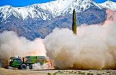 解放军最新导弹专克轰炸机