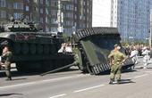 俄罗斯阅兵坦克翻个底朝天