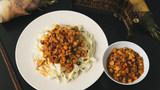 面条和米饭的百搭浇头,浓郁入味的鲜笋鸡肉酱