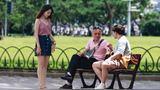 女孩因穿吊带衫遭男友嫌弃辱骂,路人:穿什么衣服她自己说了算!