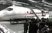 日本首架国产客机对外公开