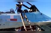 俄飛行員是怎樣下飛機的?