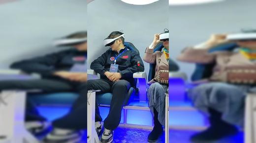 银河幻影VR云南玉溪站中国航海英雄付文韬体验银河幻影vr梦回神舟