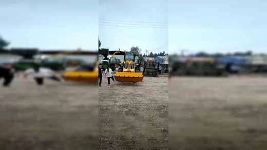 装载机工作视频