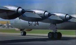 世界最大的轰炸机,可携带两架战斗机,堪称航空母机