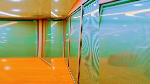 锐谷遮阳系统:看机器人小白如何控制蜂巢帘玻璃的升降